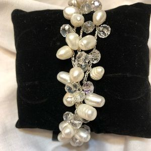 NEW. Genuine Freshwater Pearl Cluster Bracelet